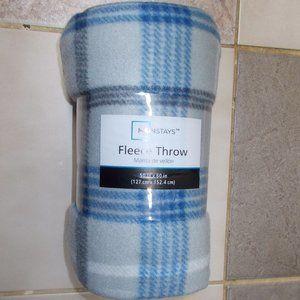 "New Fleece Throw 50""x60"" gray & blue plaid"